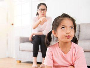Cha mẹ làm gì khi con bướng bỉnh?